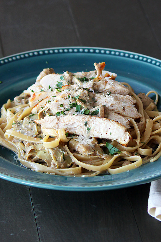 "<strong>Get the <a href=""http://www.handletheheat.com/chicken-pasta-with-artichoke-sauce/"" target=""_blank"">Chicken Pasta with"