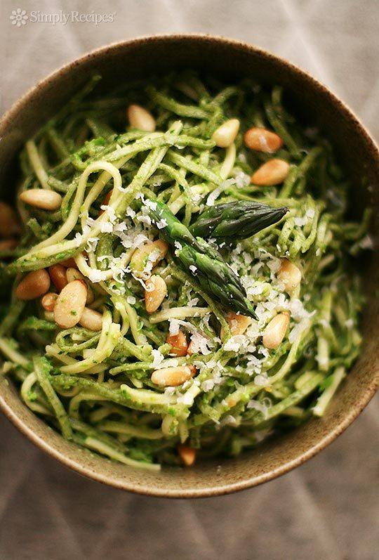"""<strong>Get the <a href=""""http://www.simplyrecipes.com/recipes/asparagus_pesto_with_pasta/"""" target=""""_blank"""">Asparagus Pesto wi"""