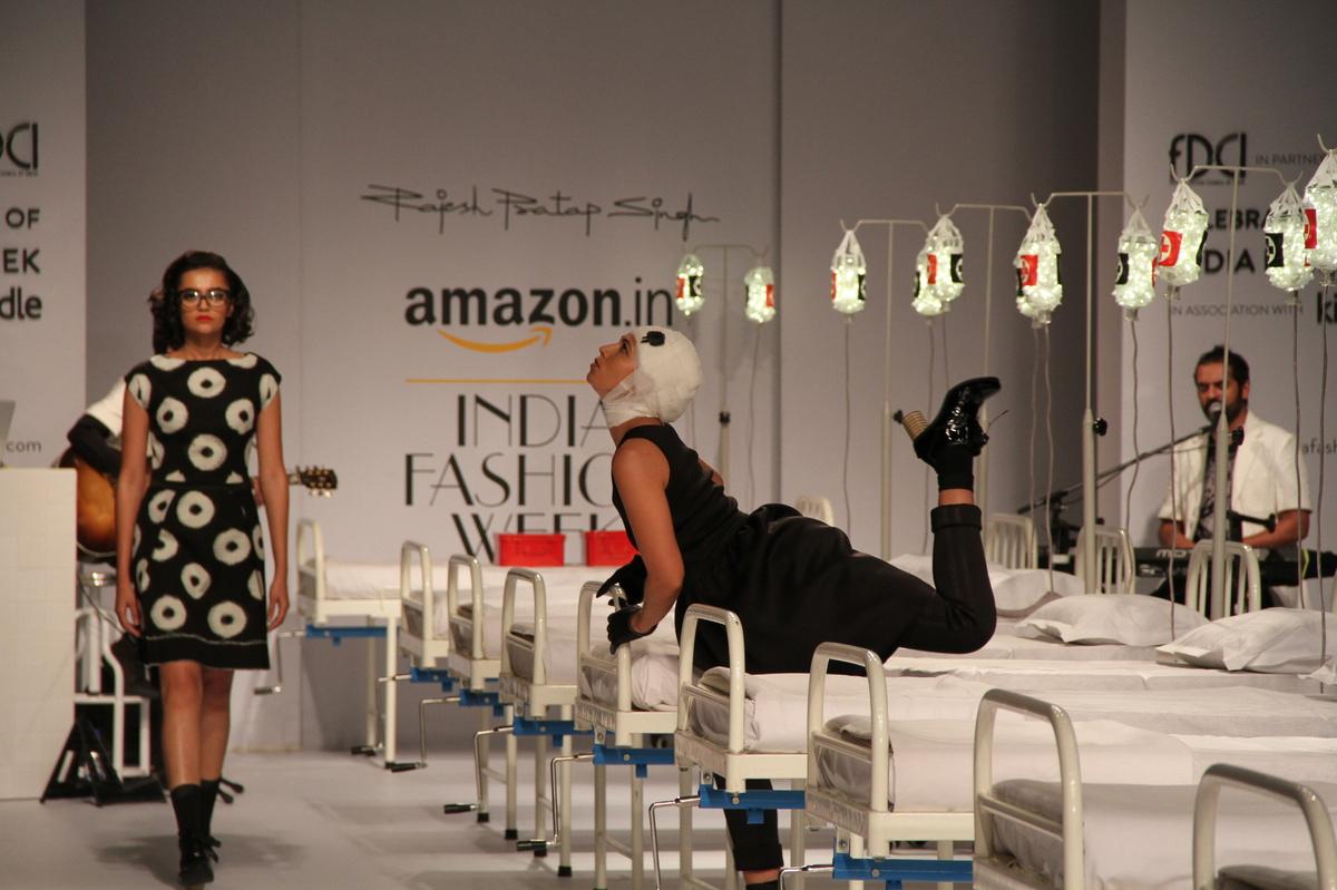 DELHI, INDIA - 2015/03/25: A model presents a creation by Indian designer Rajesh Pratap Singh during the Amazon India Fashion