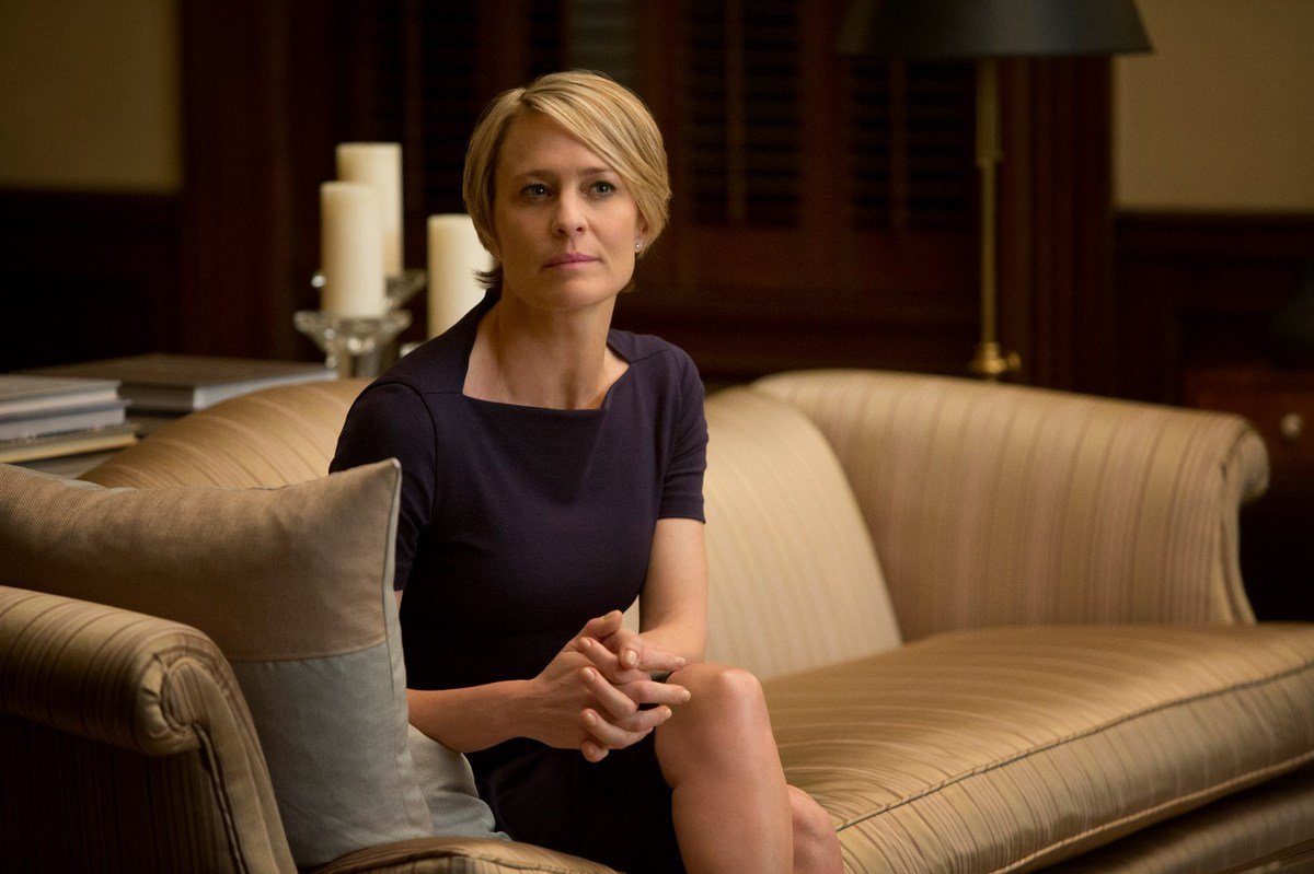 FLOTUS Claire Underwood exudes sex appeal and charisma in her array of elegant, yet sultry dresses that fit like a glove. We'
