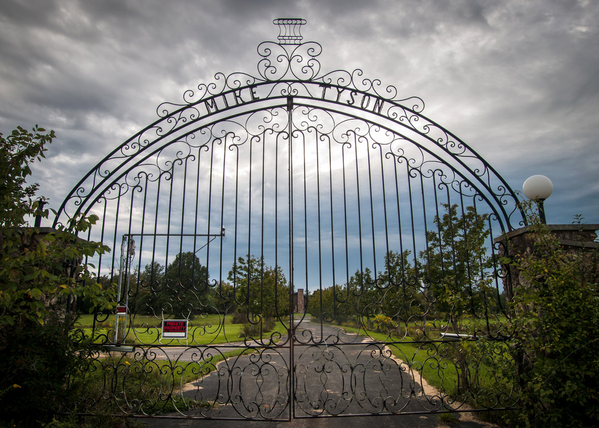 The gate to Mike Tysons house, displaying his name