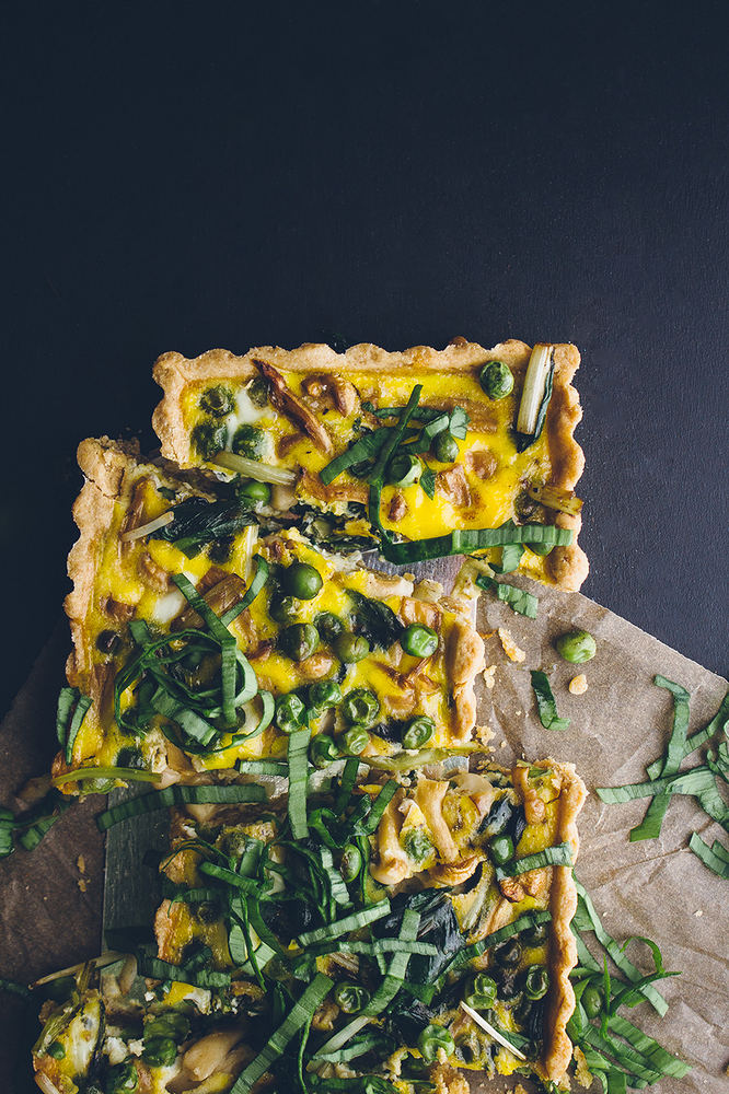 "<strong>Get the<a href=""http://www.vegetarianventures.com/2014/04/23/loaded-vegetable-spring-quiche/"" target=""_blank""> Loaded"