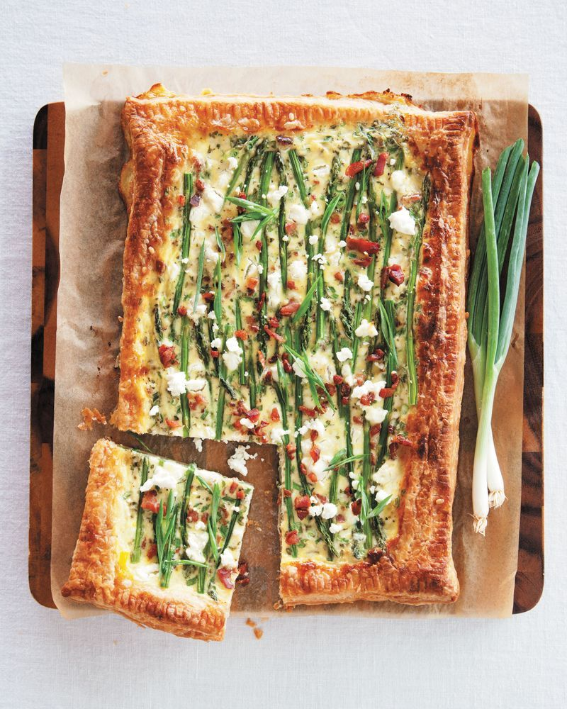 """<strong>Get the <a href=""""http://www.abeautifulmess.com/2014/11/asparagus-bacon-and-goat-cheese-tart.html"""" target=""""_blank"""">Asp"""