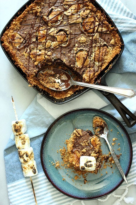 """<strong>Get the <a href=""""http://foodnessgracious.com/2014/07/chocolate-smores-skillet-cake/"""" target=""""_blank"""">Chocolate S'more"""