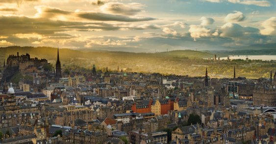 Truly one of the best cities in the UK. Edinburgh is a city that is very easy to get around and has some of the best scenery