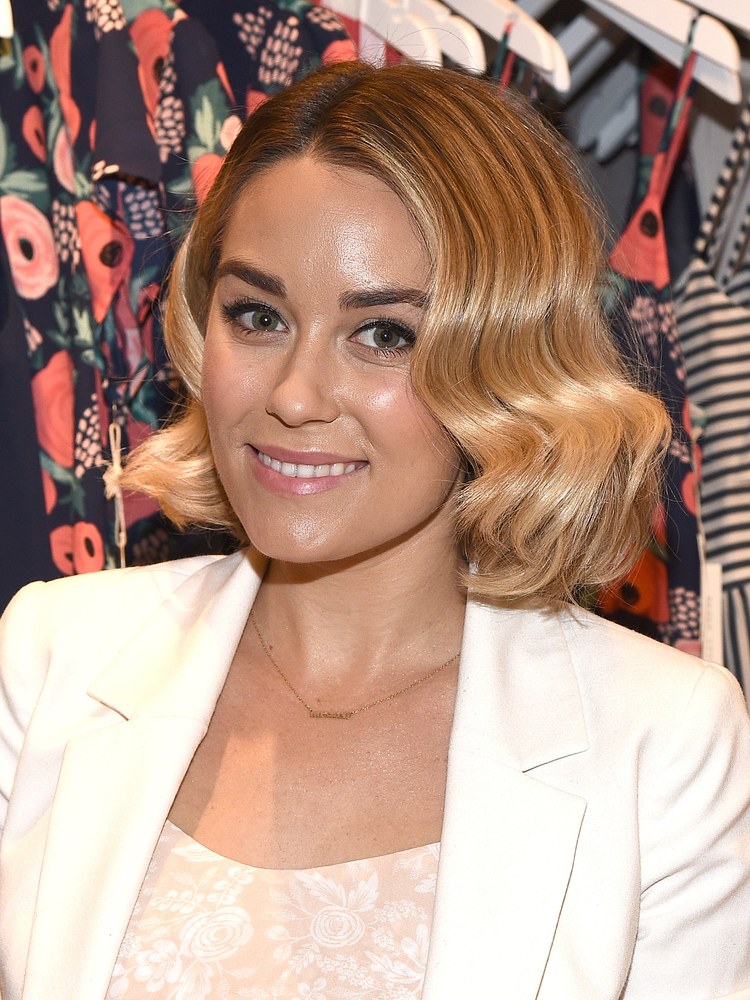 Wavy bob hairstyles how to rock this summers it cut huffpost urmus Choice Image