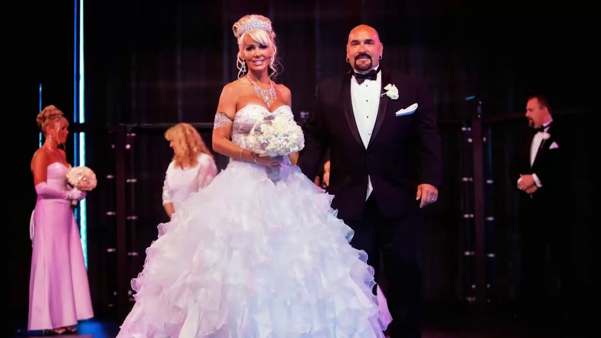 """Dawn Williams, the Canadian mom who received a makeunder on """"The Oprah Winfrey Show"""" in 2010, marries her husband, Troy."""