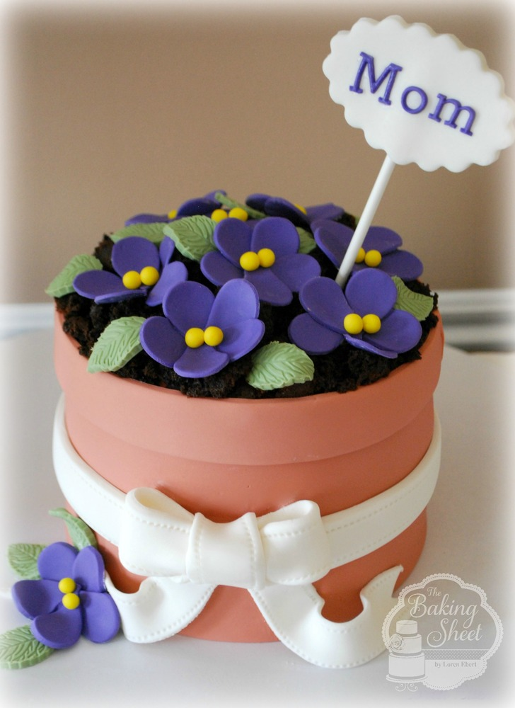 "<strong>Get the <a href=""http://thebakingsheet.blogspot.com/2012/05/happy-mothers-day.html"" target=""_blank"">Flower Pot Cake r"