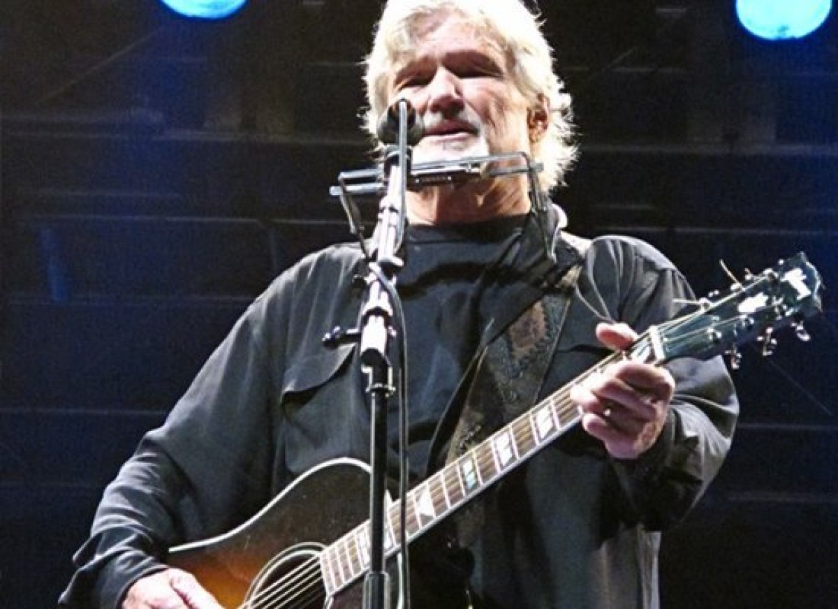 Before he made a name for himself as a country-western singer, Kris Kristofferson paid his dues working on an oil rig, teachi