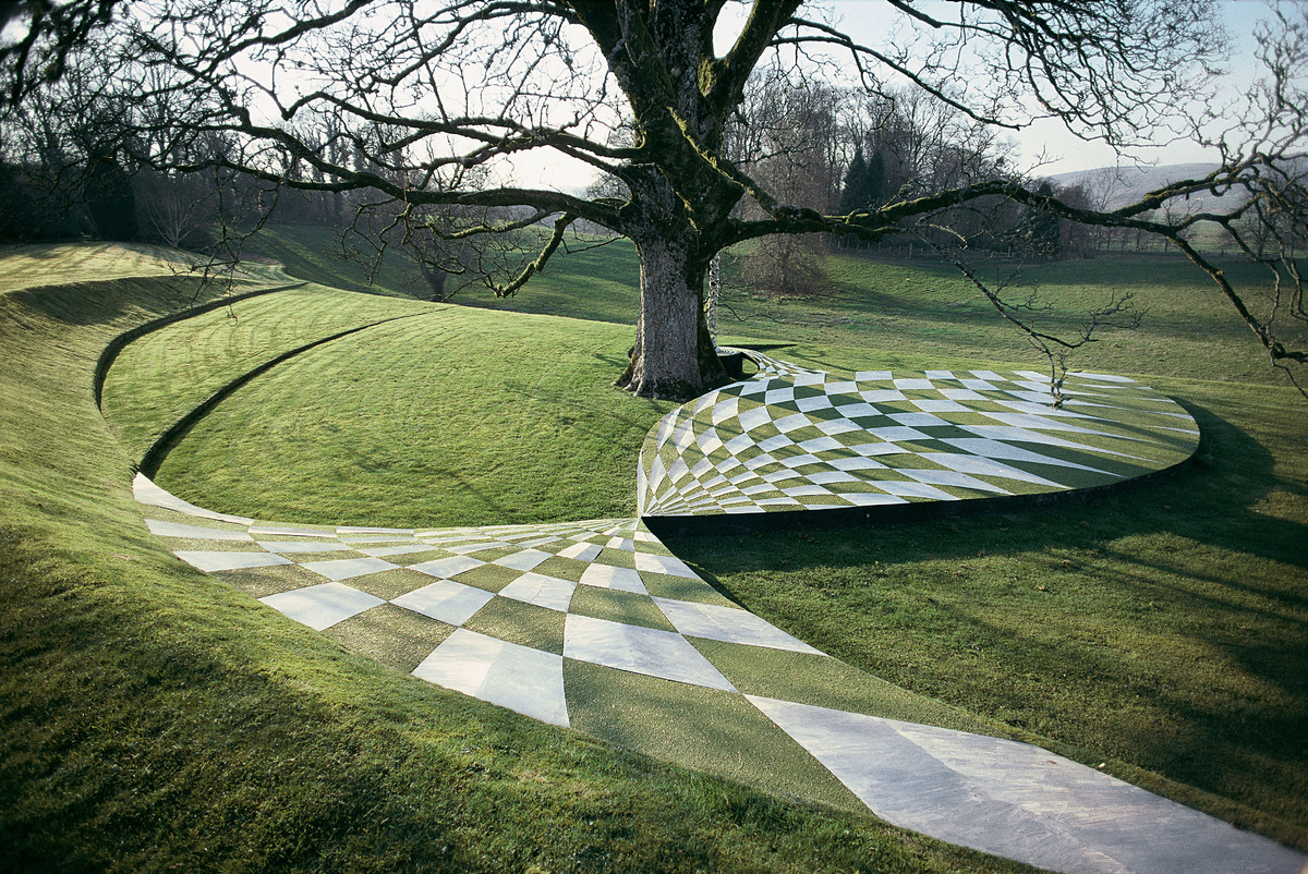 Black Hole Terrace © Charles Jencks/ The Garden of Cosmic Speculation /Outdoor Art, Prestel 2015
