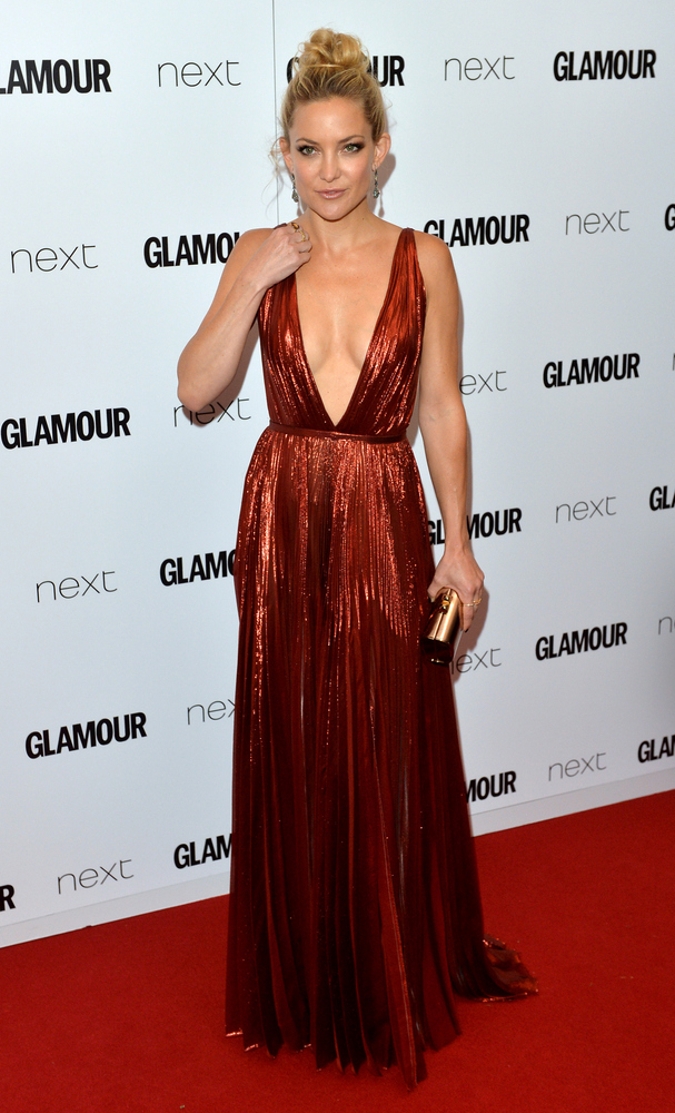 <strong>Kate Hudson in J. Mendel:</strong> Hudson knows her body and understands that her small bust is perfect for this plun