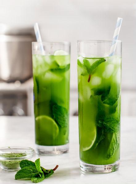 "<strong>Get the <a href=""http://www.loveandlemons.com/2014/03/28/matcha-mint-iced-tea/"" target=""_blank"">Matcha Mint Iced Tea"