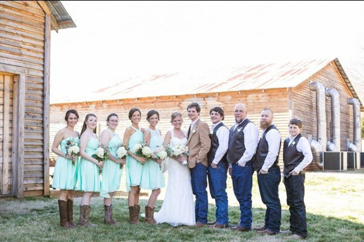75 Picture-Perfect Ideas For A Rustic Wedding | HuffPost