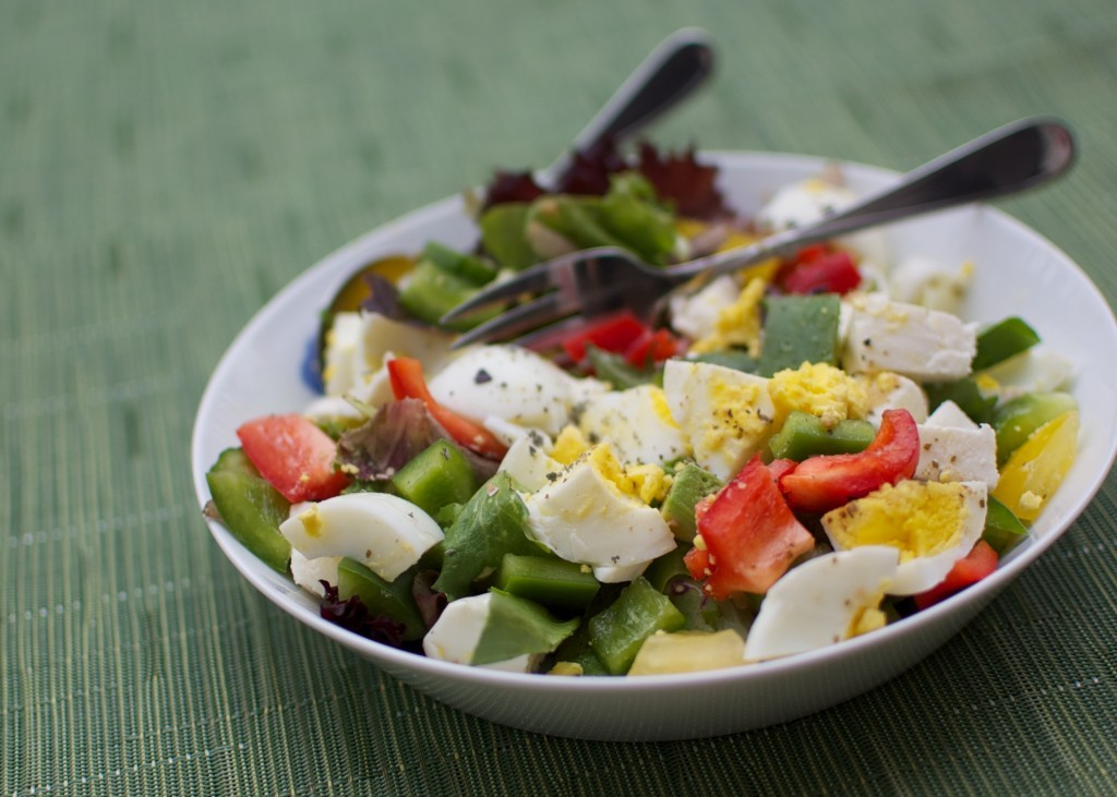 Why not eat a salad for suhoor? Hard-boil a few eggs, depending on how many people are in your household. You can eat this ov