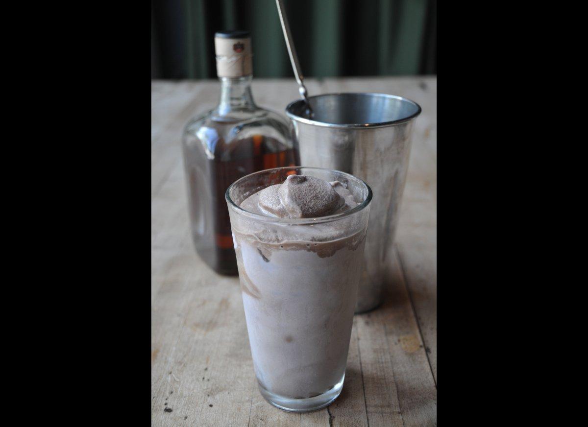 "<strong><a href=""http://imbibemagazine.com/Bourbon-Chocolate-Milkshake"" target=""_hplink"">Bourbon Chocolate Milkshake</a></str"