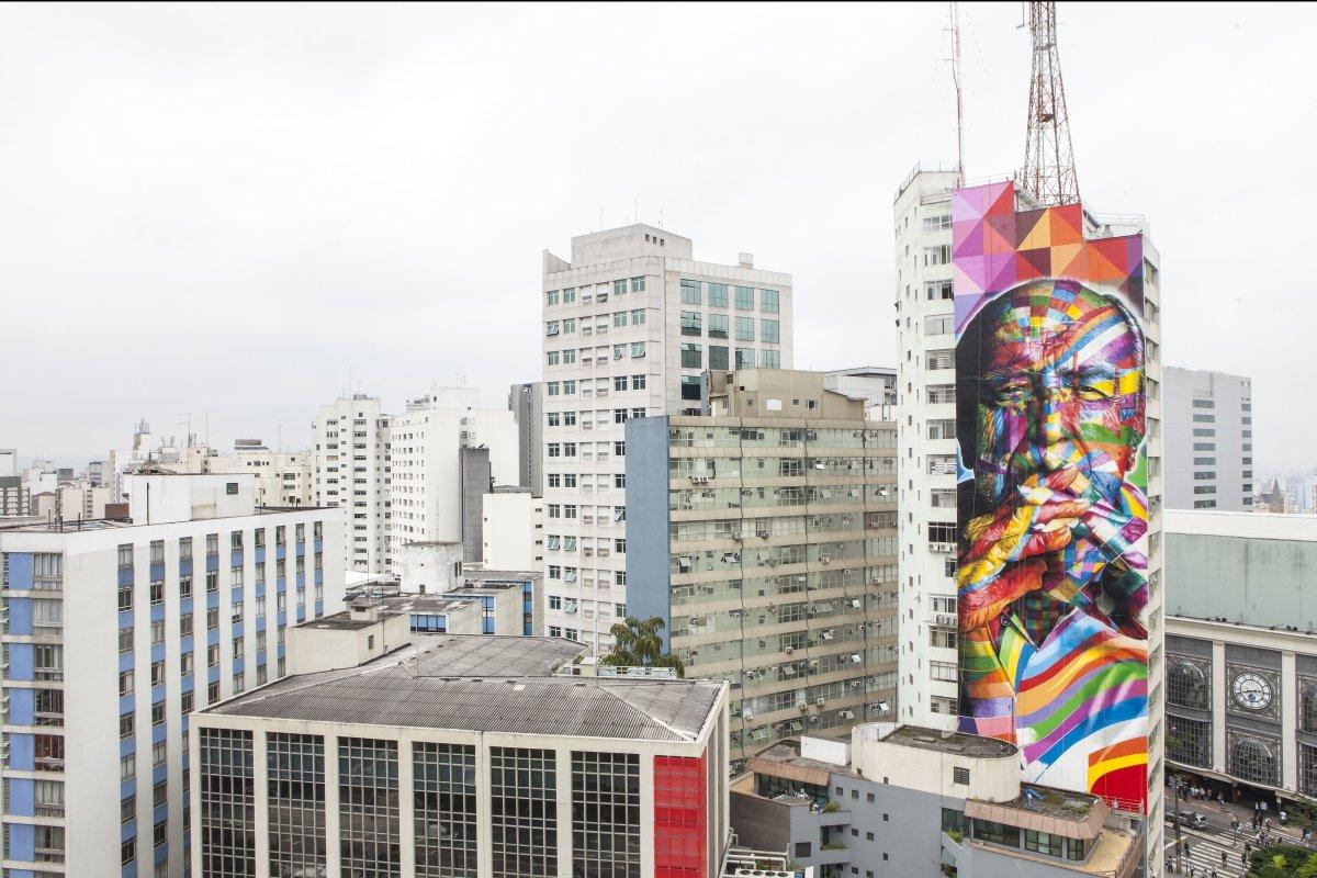Mural of Oscar Niemeyer by KOBRA in São Paulo. Photo submitted by the artist.