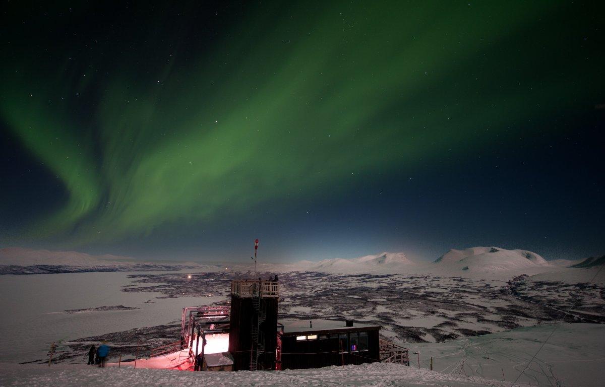<em>Lola Akinmade Akerstrom / imagebank.sweden.se/</em><strong>Best Viewing Locations: </strong>Kiruna, Abisko, Swedish Lapla