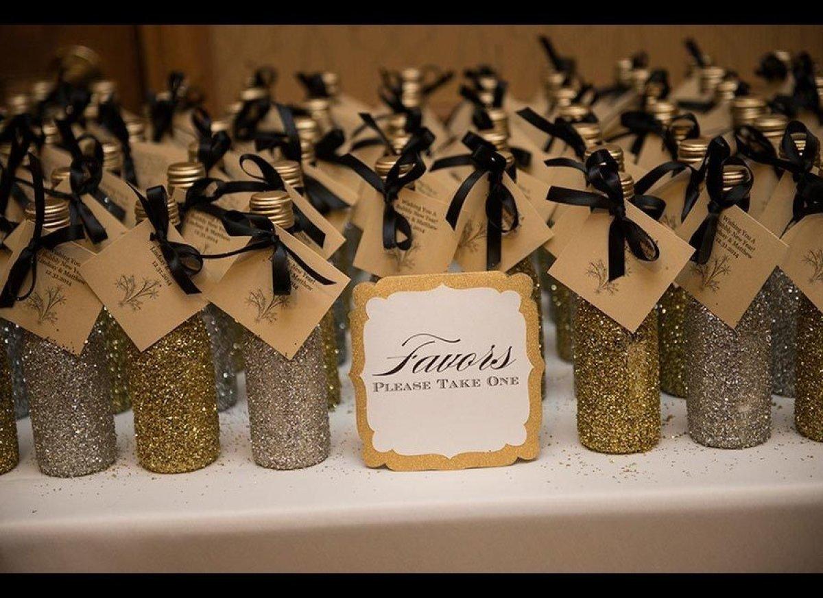 champagne wedding favors - Wedding Decor Ideas