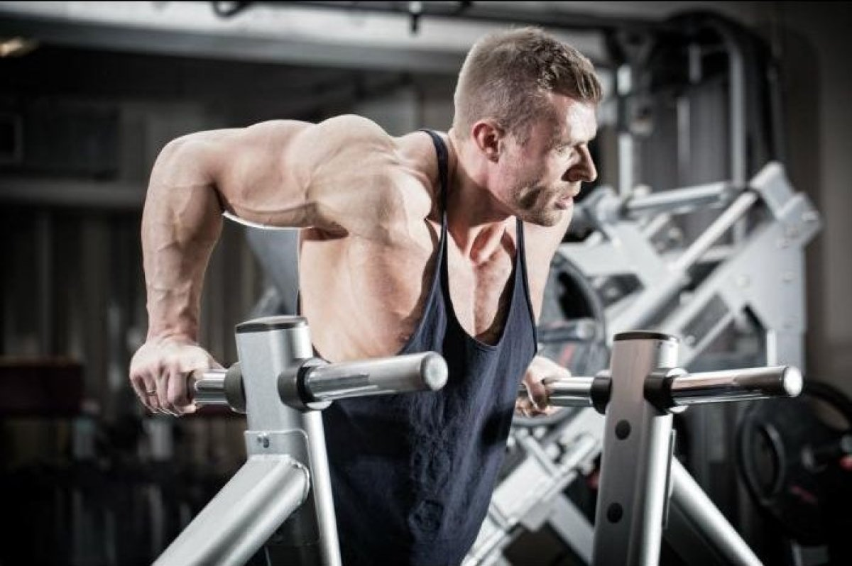 """Dr. Geller says he, personally, doesn't do dips because they irritate the internal part of the <a href=""""http://www.theactivet"""