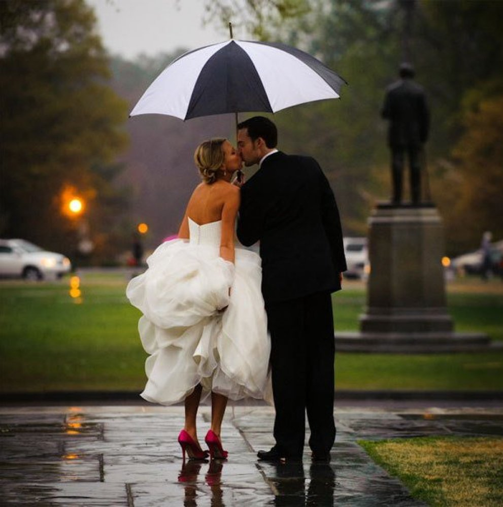 25 Ways To Make The Best Out Of Rain On Your Wedding Day