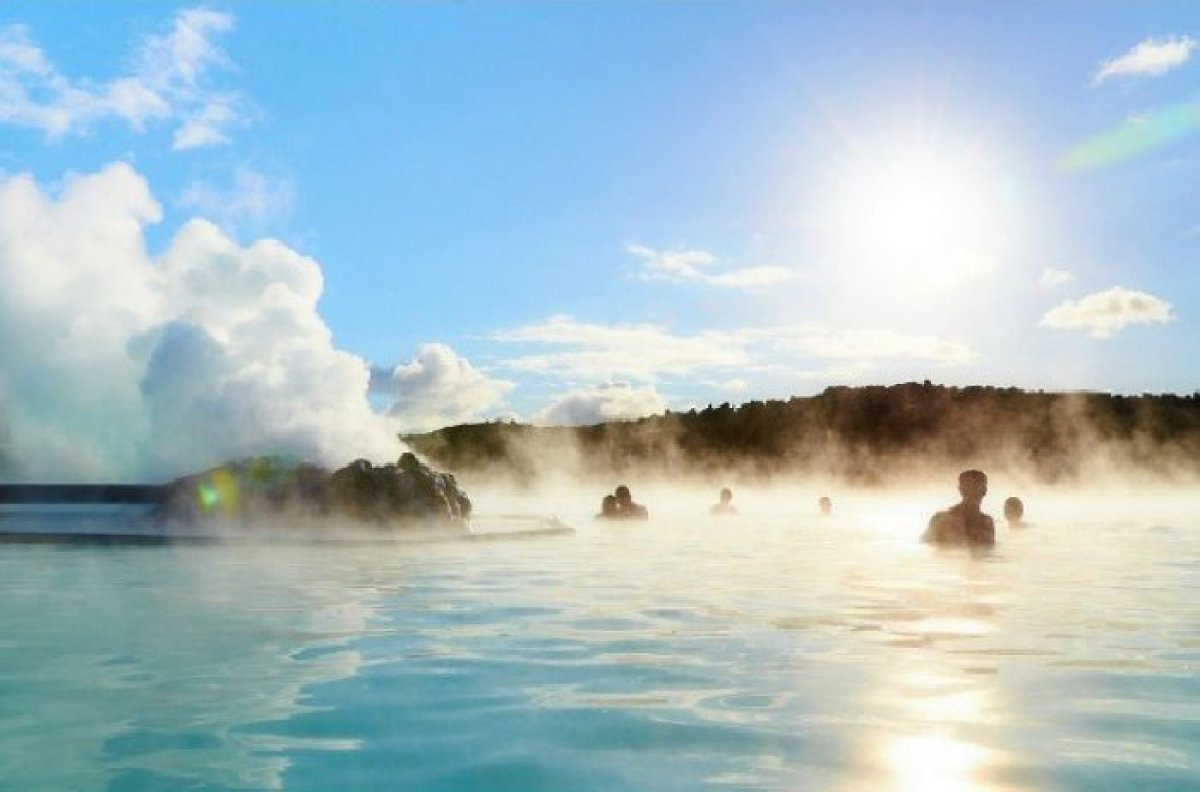 """The thrilling """"Land of Fire and Ice""""<a href=""""http://www.theactivetimes.com/content/10-most-thrilling-adventures-iceland-slide"""