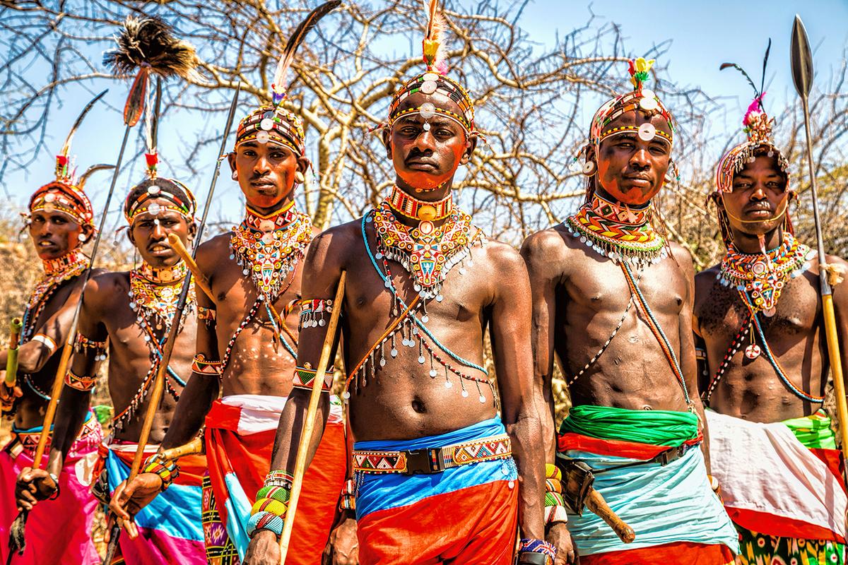 色彩ゆたかなスリ族を撮るヨシダナギ