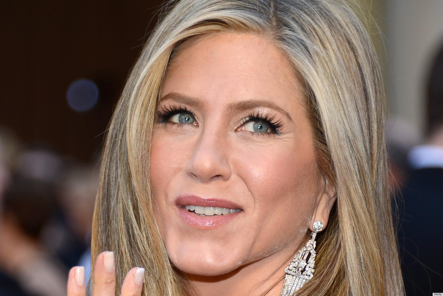 Jennifer Aniston's Oscar Dress 2013 Disappoints The ...