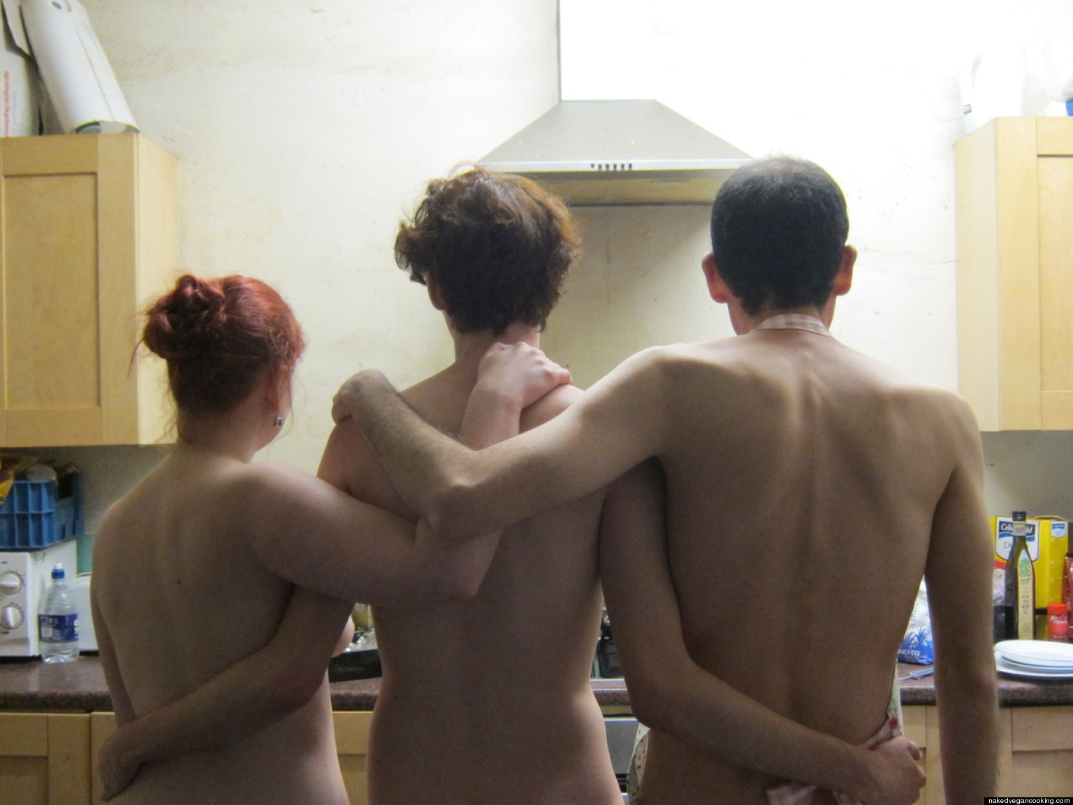 naked-wife-cooks