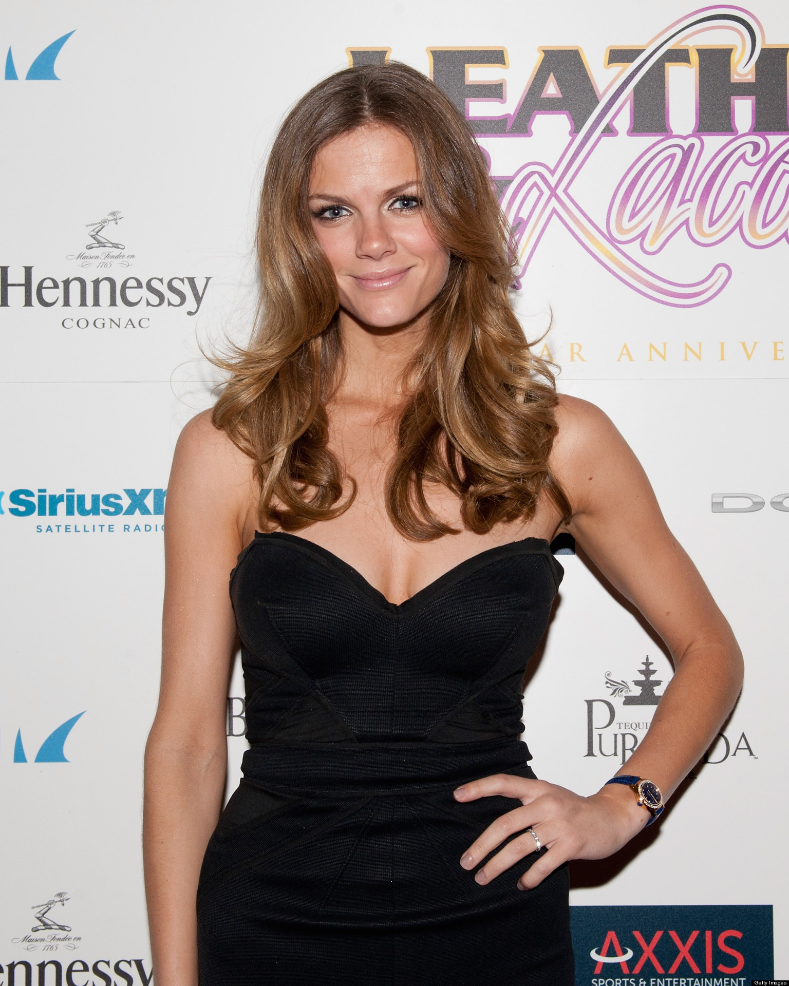 Brooklyn Decker Chops 10 Inches Off Her Hair, Is the