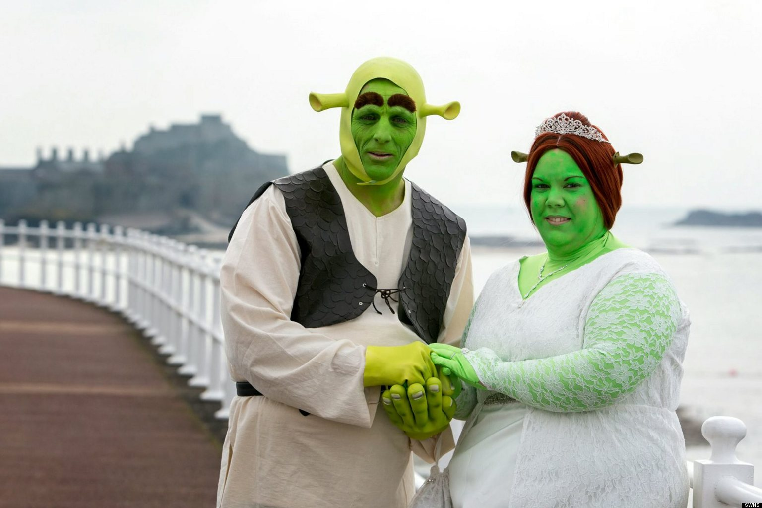 Shrek Wedding Dresses As Princess Fiona And For Their Trip Down The Aisle Huffpost