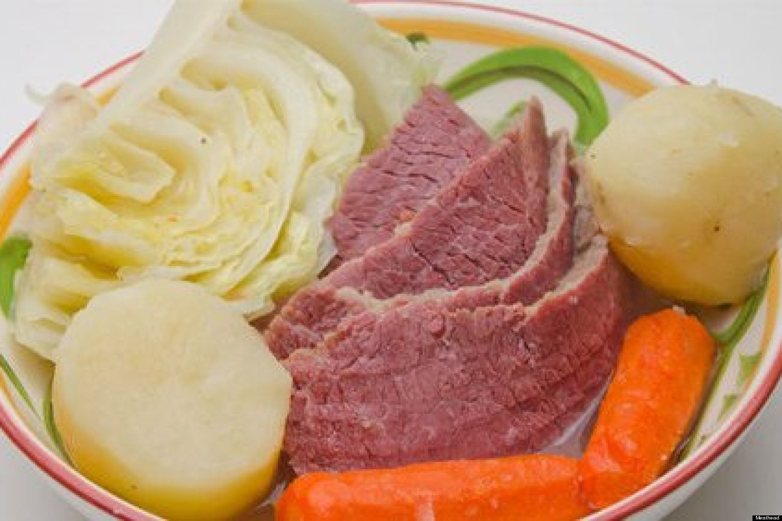Corned beef and cabbage let 39 s do it right huffpost for What to do with salt beef