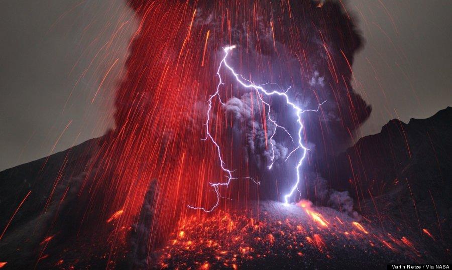 foto rayo volcán