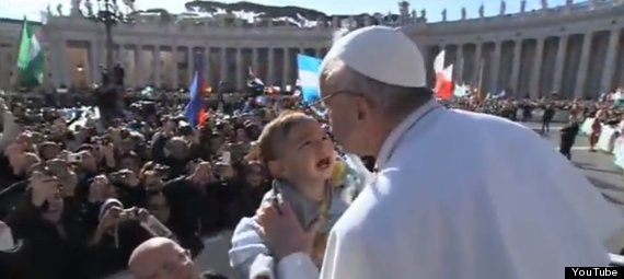 pope kisses baby