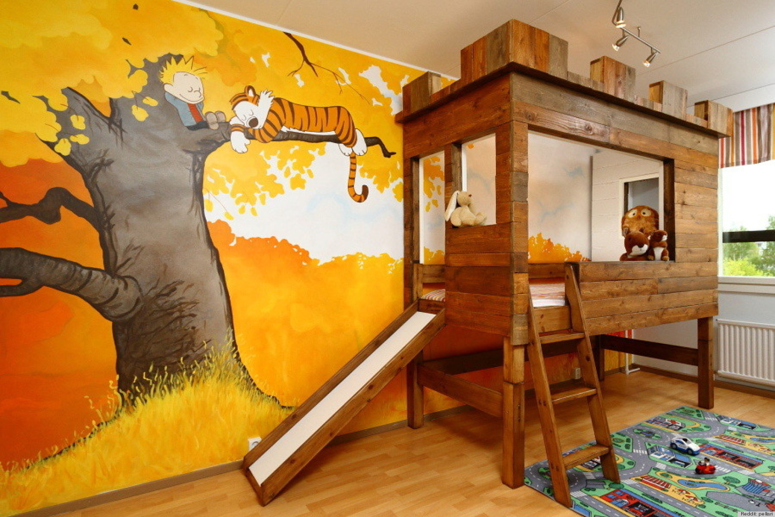 calvin and hobbes kid s bedoom makes us want to be little again rh huffingtonpost com