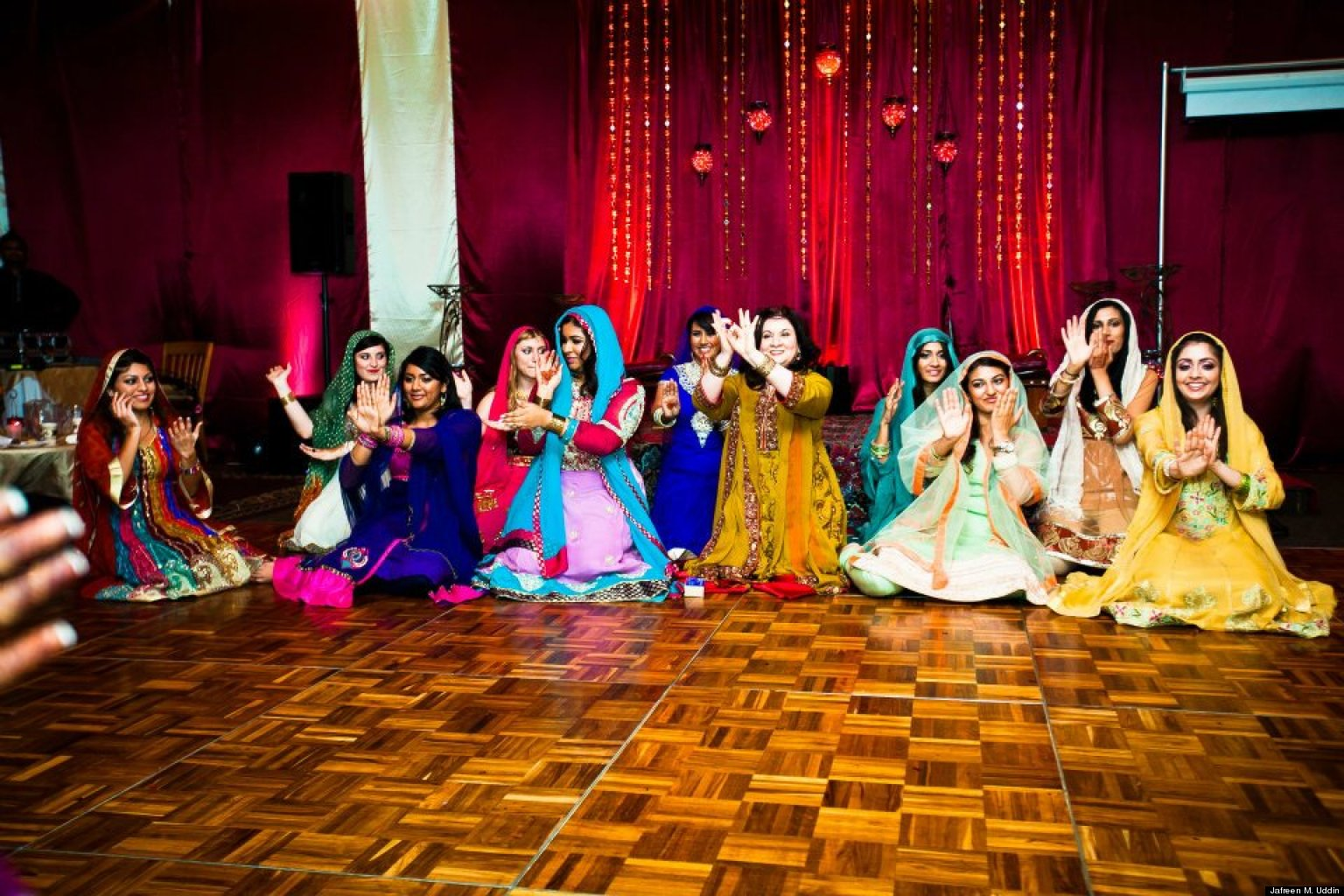 Mehndi Ceremony N Wedding : Mehndi ceremonies the world s first bridal shower huffpost