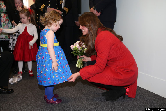 kate middleton and a little girl