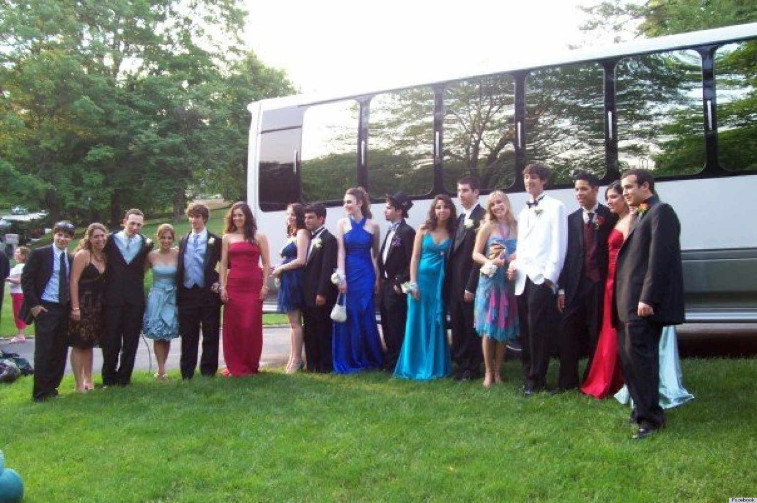 Prom Dress Facebook Groups: Cause For Concern? | HuffPost