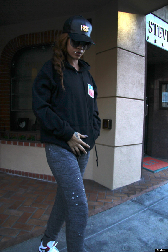 rihanna pregnant chris brown baby