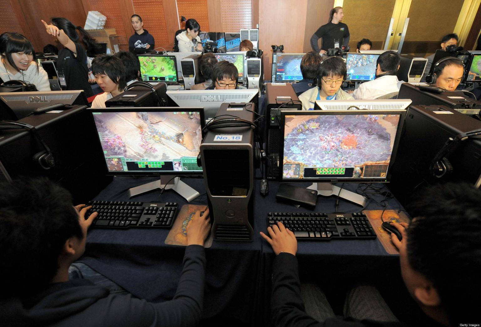 Video gaming scholarship uc berkeley sophomore wins big for Office design game