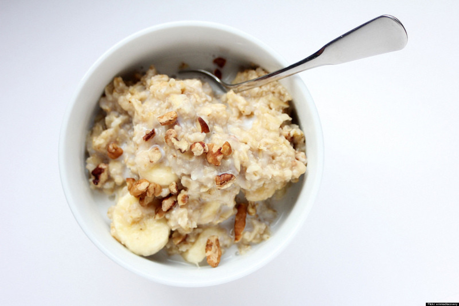 How to cook oatmeal on your stovetop rolled and steel cut huffpost ccuart Image collections