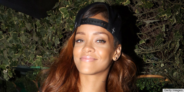 Rihanna's Lipstick Sells Out From MAC In 3 Hours