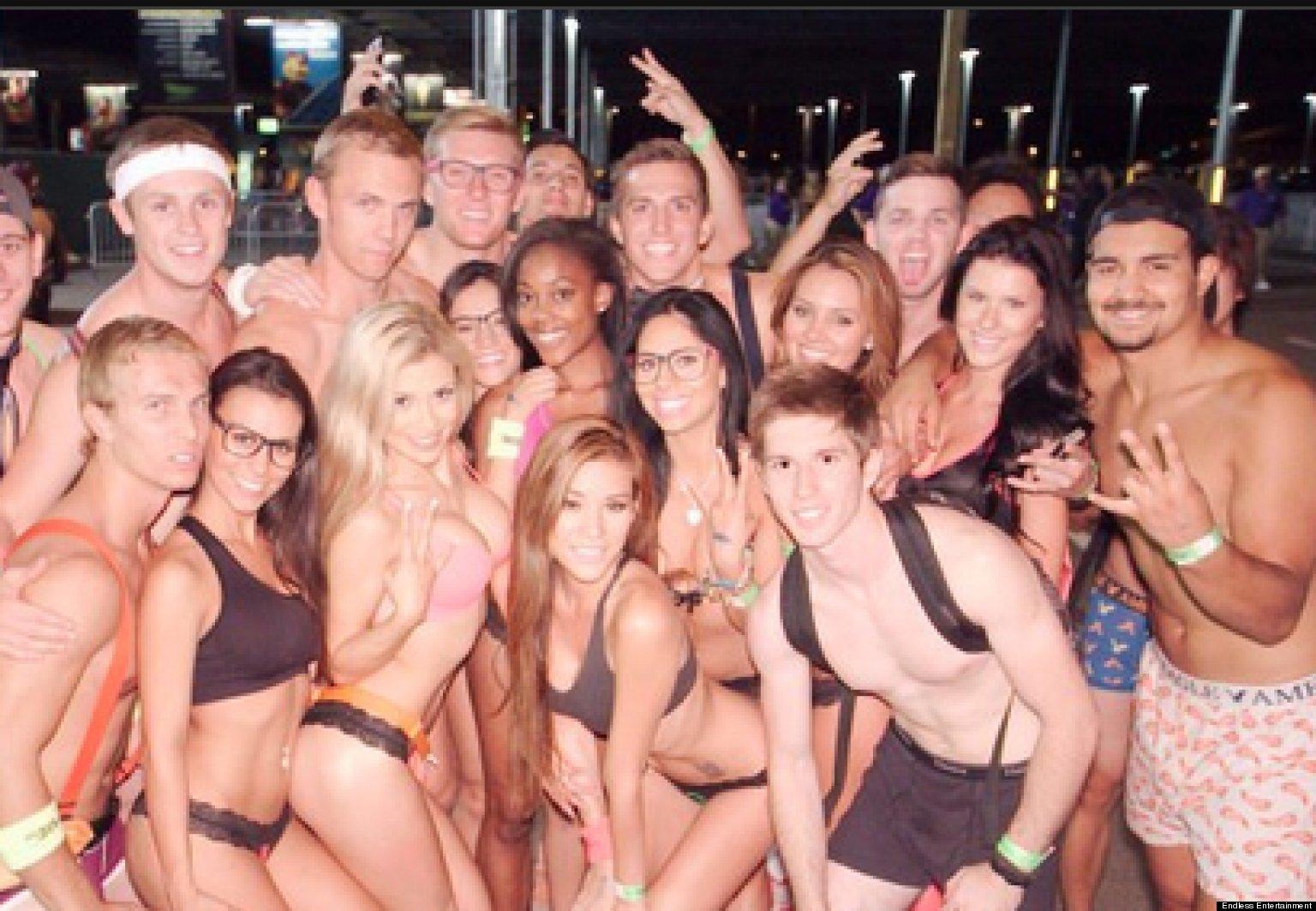 Free nude mature females-8203