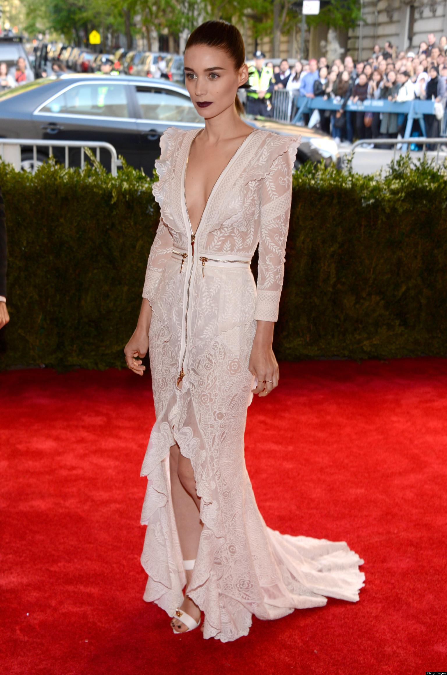 Rooney Mara Met Gala 2013: Star Looks White-Hot In Low-Cut