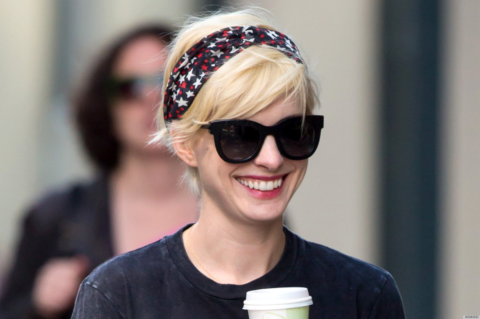Anne Hathaway Blonde Hair Is Still Hening What Do You Think Photos Poll Huffpost