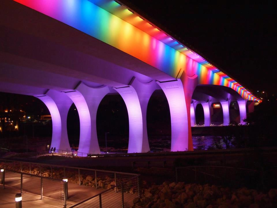 minneapolis gay bridge