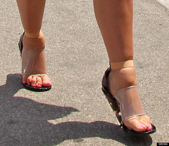 kim kardashian feet
