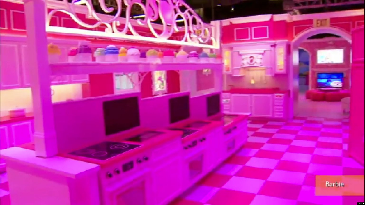 10 awesome barbie doll house models - Barbie Dream House Experience Opens At Sunrise Sawgrass Mills Video Huffpost