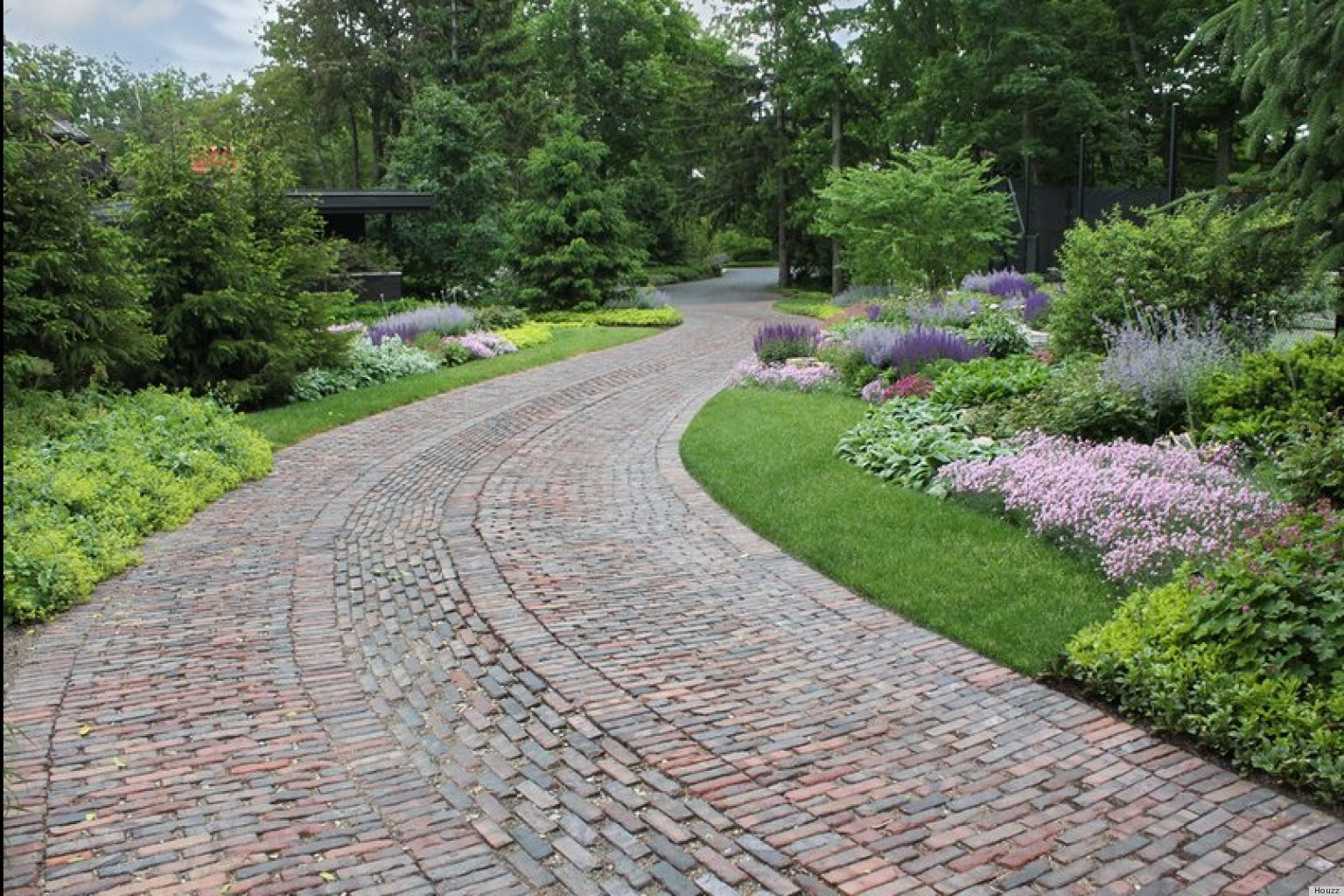 6 Driveway Looks Take Landscapes Along For The Ride Huffpost
