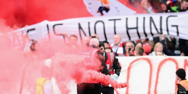 Liverpool fans bring some colour to Craven Cottage