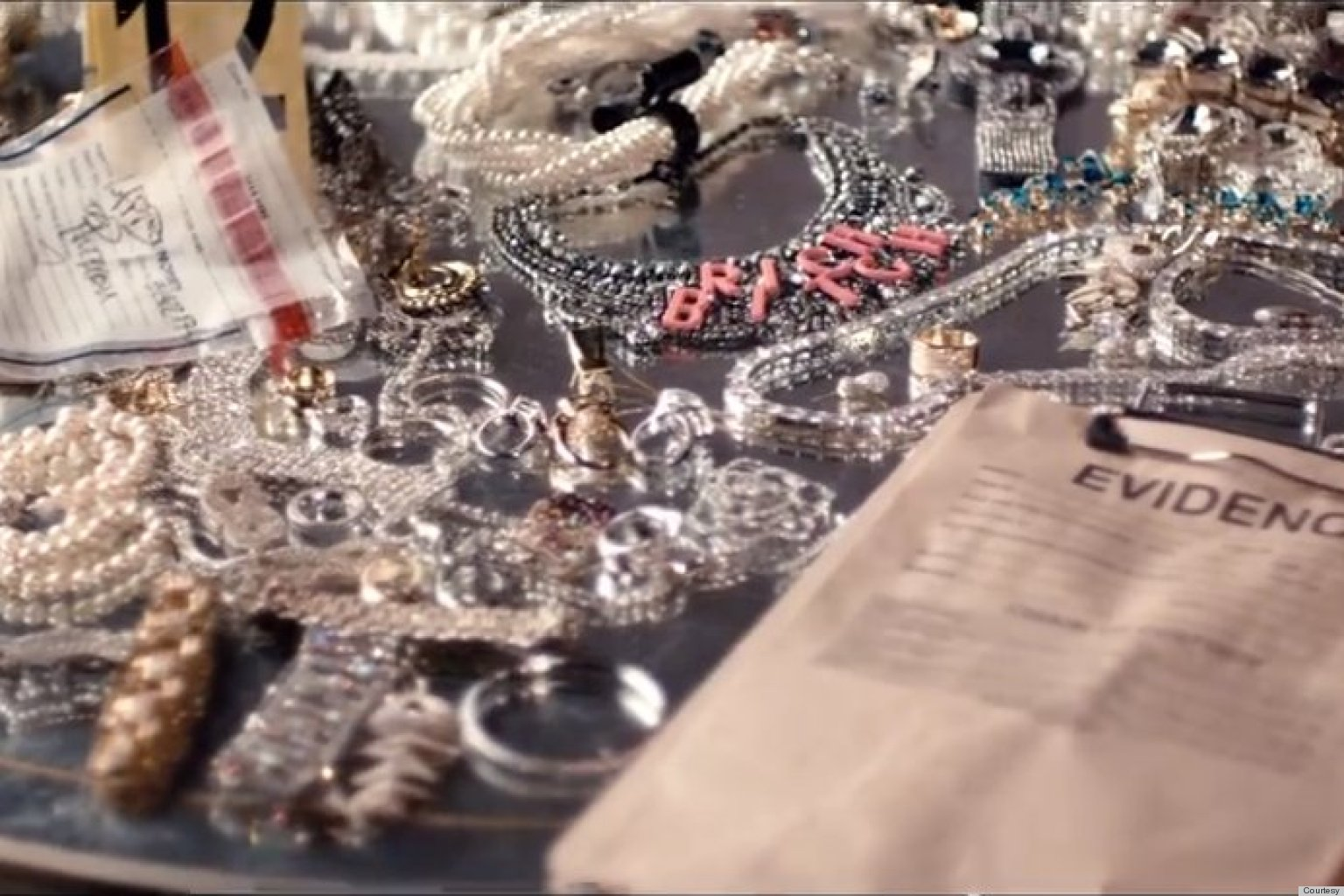 Watch - Vuitton louis sues warner bros video